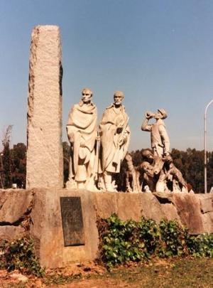 Monumento a Adelardo Covarsí