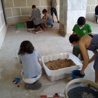 Jóvenes arqueólogos - 0
