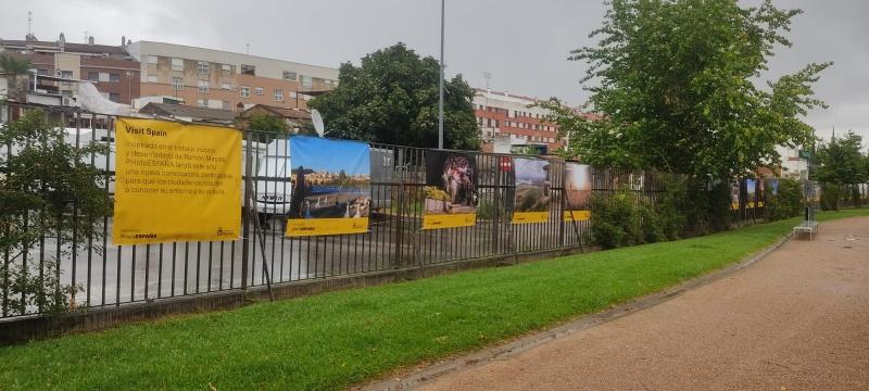 El Parque del Guadiana de Badajoz acoge la muestra al aire libre de im�genes participantes en el Festival #VisitSpain, de PhotoEspa�a
