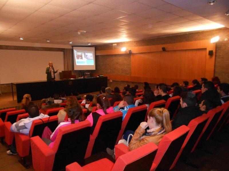 LOS ALUMNOS DEL PROYECTO ADARVE RECIBEN FORMACI�N EN PREVENCI�N DE RIESGOS LABORALES