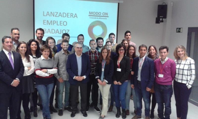 20 J�VENES PACENSES ENTRENAN SU SALIDA AL MERCADO LABORAL EN LA I LANZADERA DE EMPLEO DE BADAJOZ