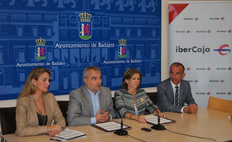 Noticias la instituci n ferial de badajoz e ibercaja for Ibercaja banco oficinas