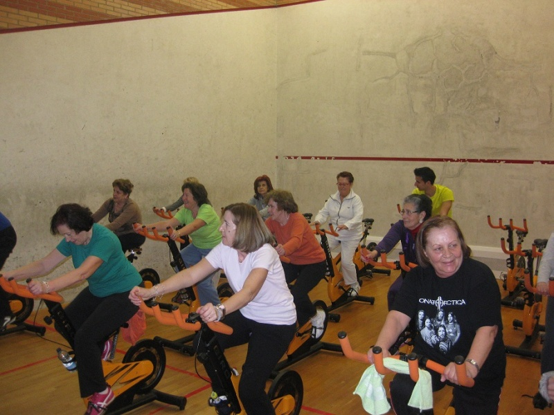 Lbum 26 27 02 2014 clases de spinning ayuntamiento for Clases de spinning