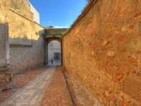 Acceso a Puerta del Capitel